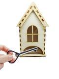 Alloggi il concetto miniatura e chiave dell'acquisto del bene immobile Fotografia Stock