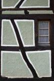 Alloggi il dettaglio di mezza casa armata in legno al ecomusee nell'Alsazia Immagini Stock