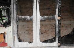 Alloggi il fuoco Conflagrazione di immagini del dettaglio da una casa Fotografie Stock Libere da Diritti