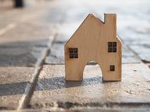 Alloggi il modello nel piano di risparmio per la residenza della gente nella società, p Immagini Stock