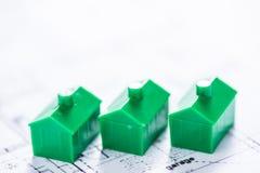 Alloggi il modello sul piano dell'architetto, sviluppante il concetto domestico Immagini Stock