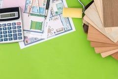 Alloggi il progetto con il campionatore di legno, la penna, calcolatore Fotografia Stock