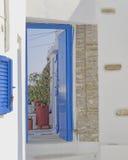 Entrata della Camera in un'isola mediterranea Fotografia Stock Libera da Diritti