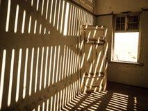 Alloggi l'interno nella città fantasma namibiana di Kolmanskop Immagine Stock Libera da Diritti