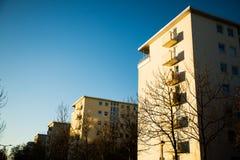 Alloggi la fila, casa multipla della famiglia a Monaco di Baviera, Oberschleißheim, Immagini Stock