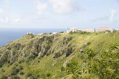 alloggia il mare caraibico Saba N olandese della montagna Fotografie Stock