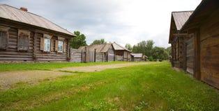 alloggia vecchio di legno Immagine Stock