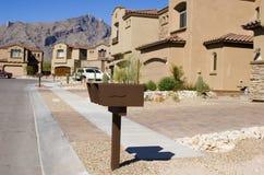 Alloggiamento suburbano nel deserto Fotografia Stock Libera da Diritti