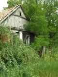 Alloggio abbandonato in un villaggio mancante Fotografia Stock
