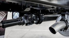 Alloggio del asse posteriore e un'assunzione in tandem di un camion a uso medio di 6 ruote Fotografia Stock
