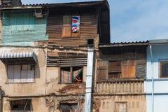 Alloggio diroccato in una sezione impressionante povertà di Bangkok Fotografia Stock Libera da Diritti