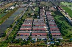 Alloggio, foto dell'antenna di sviluppo del territorio del terreno coltivabile Immagine Stock Libera da Diritti
