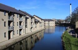 Alloggio moderno dal canale di Lancaster, Lancaster Immagine Stock