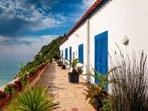 Alloggio per la costa tipica di Algarve del Portoghese Fotografie Stock