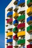 Alloggio sociale, alloggio urbano, balconi colorati Immagine Stock