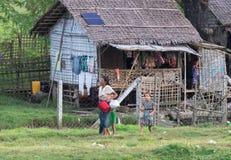 Alloggio tradizionale nello stato di Rakhine, ambiente Fotografia Stock Libera da Diritti