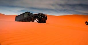 Allradfahrzeuge und Dünen stockfoto