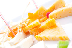 Allsorts de différentes pentes de fromage Images libres de droits