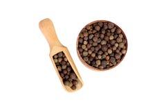Allspice в деревянном шаре Стоковые Фото