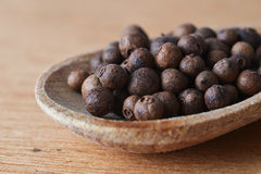 Allspice  in  spoon Royalty Free Stock Images