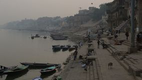 Alltagsleben im Ganges Ghat stock video footage