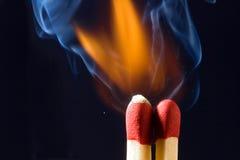 Allumettes enflammant Image libre de droits