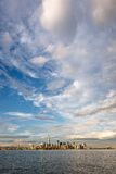 Allumez après la tempête au-dessus de Manhattan du centre, New York City Image libre de droits