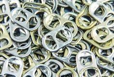 Alluminio di tirata dell'anello delle latte Immagine Stock