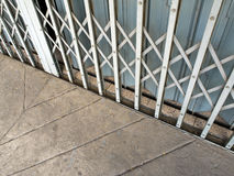 Allungamento d'acciaio della porta Immagine Stock Libera da Diritti