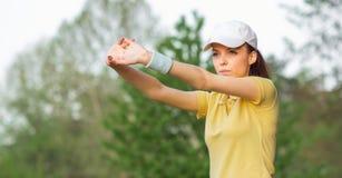 Allungamento degli sport donna o tennis Immagine Stock Libera da Diritti