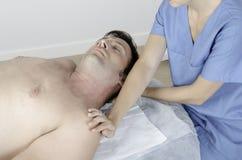 Allungamento del collo cervicale Fotografia Stock Libera da Diritti