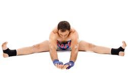 Allungamento del combattente di Kickbox Fotografie Stock Libere da Diritti