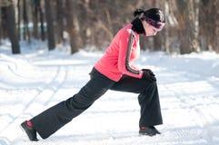 Allungamento dell'esercitazione di forma fisica Immagine Stock Libera da Diritti