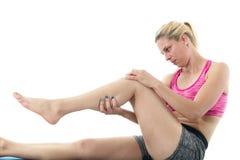 Allungamento della gamba della donna Fotografia Stock Libera da Diritti