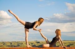 Allungamento delle ballerine Fotografia Stock Libera da Diritti