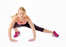 Allungamento sano della donna di forma fisica Immagine Stock Libera da Diritti
