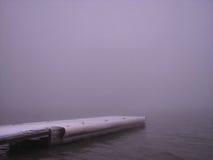 Allungando nella nebbia - diga di Orman Fotografia Stock Libera da Diritti