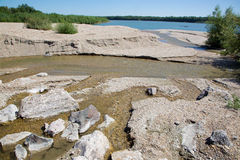 Alluvione di ghiaia sul fiume di Danuber Fotografie Stock Libere da Diritti