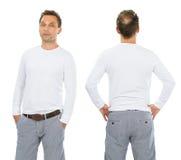 Allvarlig man med den tomma vita långa muffskjortan Royaltyfria Foton