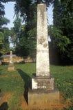 Allvarlig markör av jordfästningstället för James och Dolly Madison, Montpelier, Virginia Arkivfoton