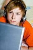 Allvarlig tonåring Arkivbild