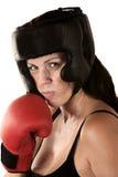 Allvarligt svettas för kvinnligboxare Arkivfoton