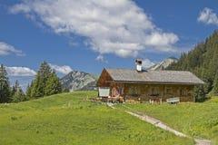 Alm di Enning nelle alpi di Ammergau Immagini Stock