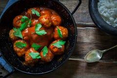 Almôndegas caseiros no tomate Foto de Stock Royalty Free