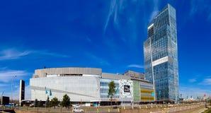 Alma Ata - Ritz Carlton Tower en Esentai Mall Royalty-vrije Stock Afbeelding