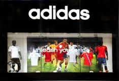 Almacén al por menor de los deportes de Adidas Fotografía de archivo