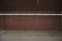Almacén con la pared de ladrillo Imagen de archivo libre de regalías
