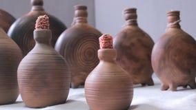 Almacén de la cerámica en la institución cultural almacen de video