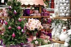 Almacén de las decoraciones de la Navidad Imagenes de archivo