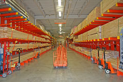 Almacén de los materiales de construcción. Imagen de archivo libre de regalías